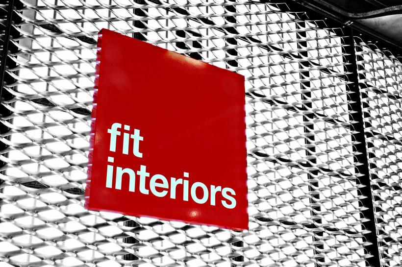Showroom Fit Interiors, armadi spogliatoio, reception, box docce